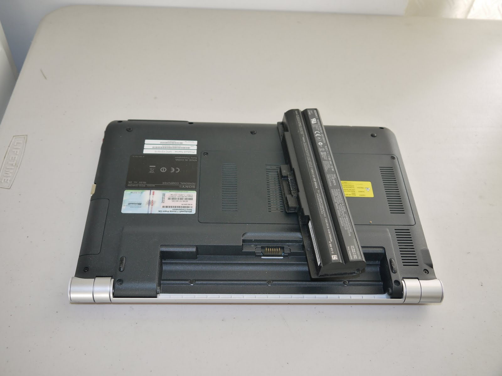 Sony VAIO PCG-4J1L Hard Drive/Memory/Power Replacement Parts